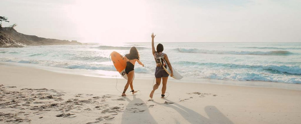 curso de surf en gold coast