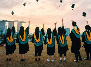 scholarships to study in australia
