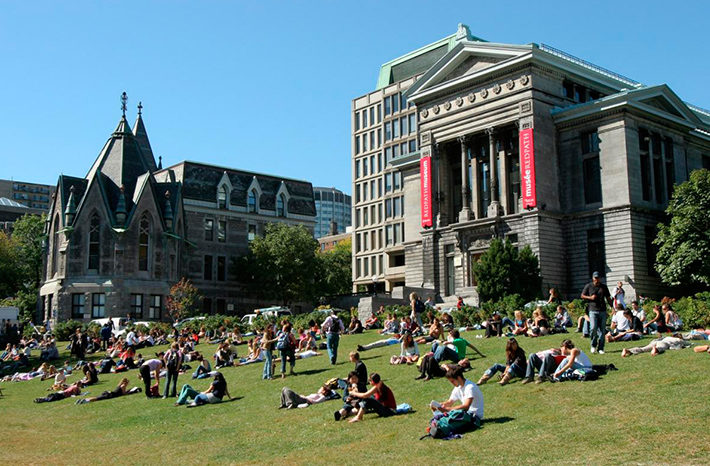 universidades de canada
